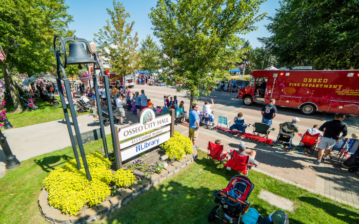 057-Osseo_Fire_Department-Volunteer-Osseo_Parade-Minneapolis-City-Department-photography-September_08_2018-www.jcoxphotography.com_-_700px.jpg